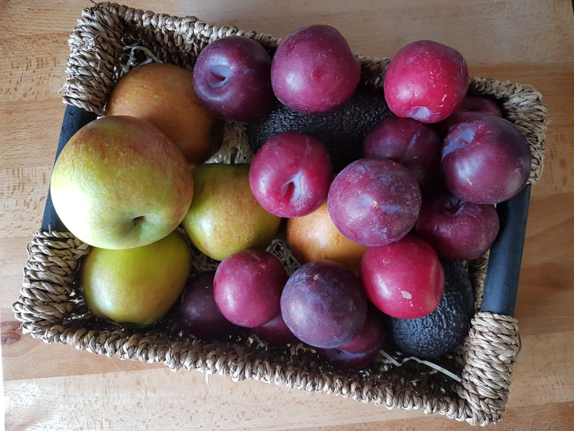 apples plums