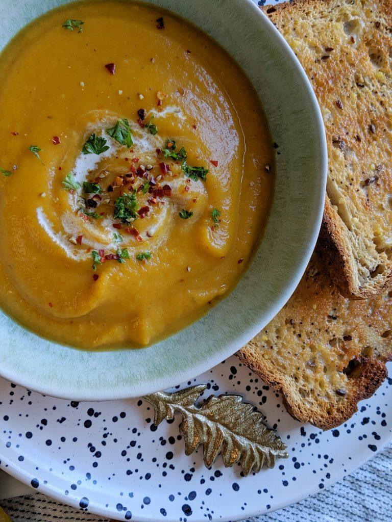 gluten free spiced parsnip carrot soup