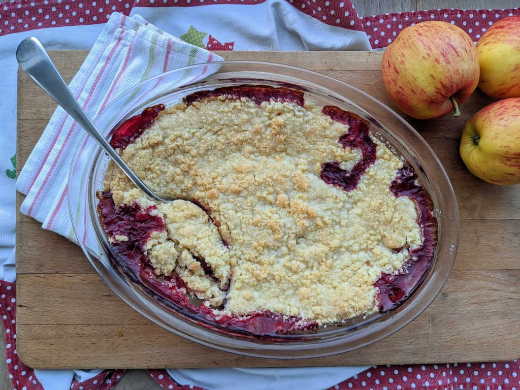gluten free blackberry and apple crumble