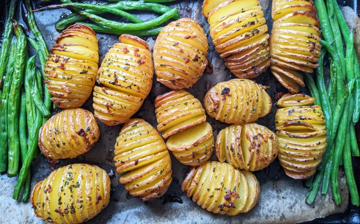 Crispy Garlic Butter Hasselback Potatoes
