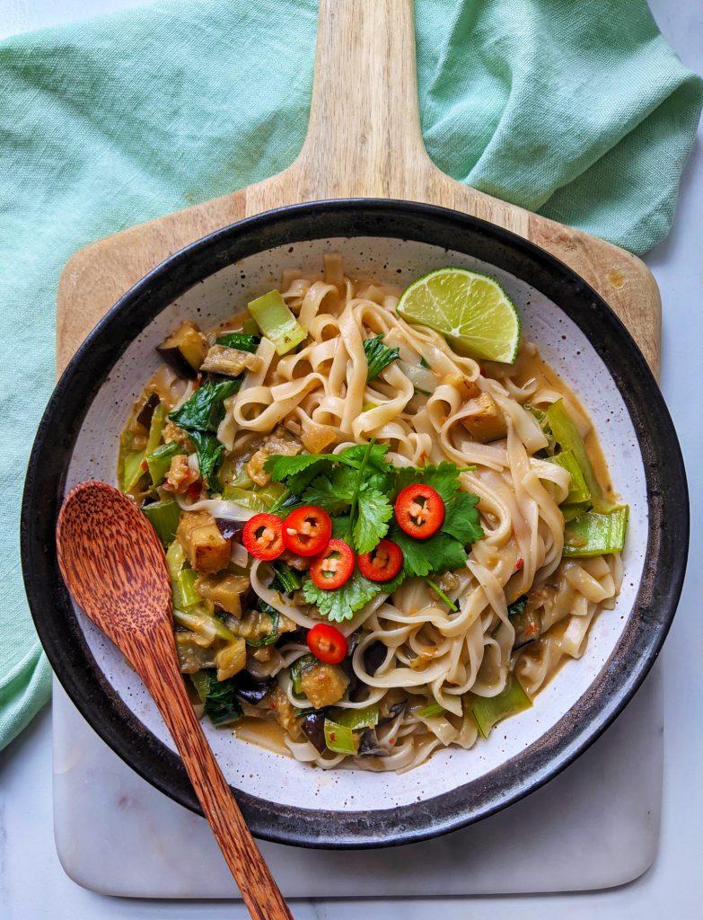 rote thailändische Curry-Nudeln glutenfreies Rezept Großbritannien