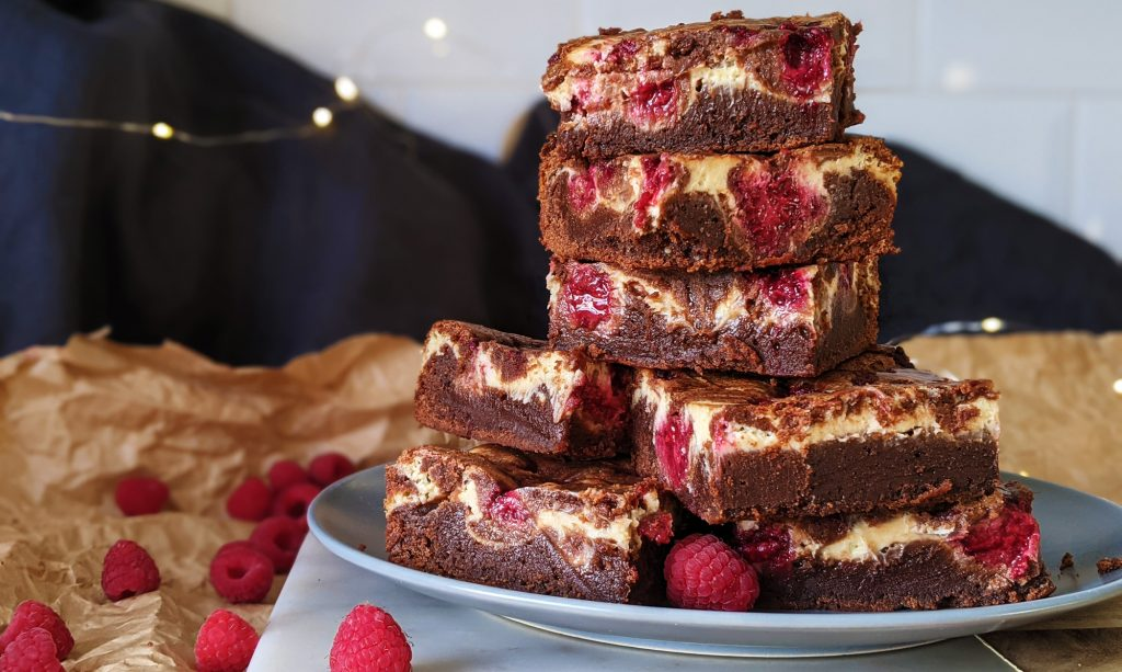 gluten free raspberry cheesecake brownies