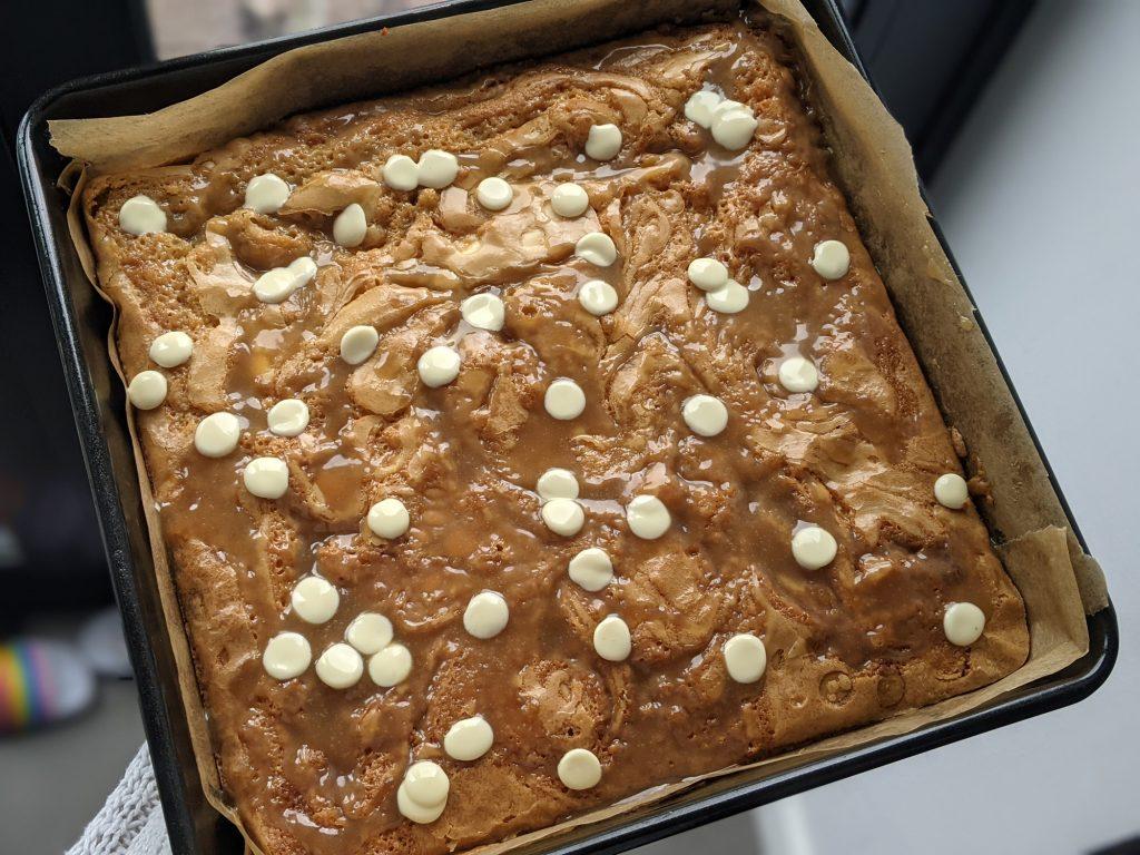 pan of gluten free blondies uk
