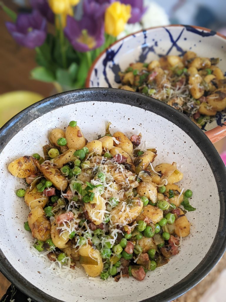 gnocchi with leeks pancetta and peas