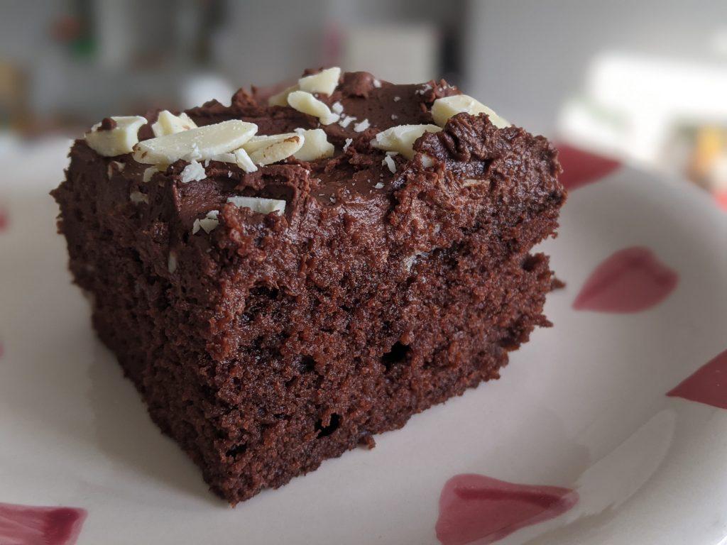 gluten free chocolate fudge cake slice