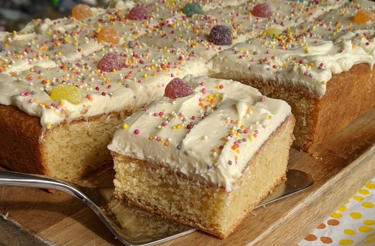 Gluten Free Vanilla Sheet Cake (Vanilla Tray Bake)